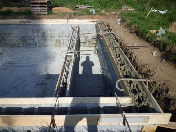Construction piscines dans le 18 bourges et vierzon 45 for Construction piscine beton